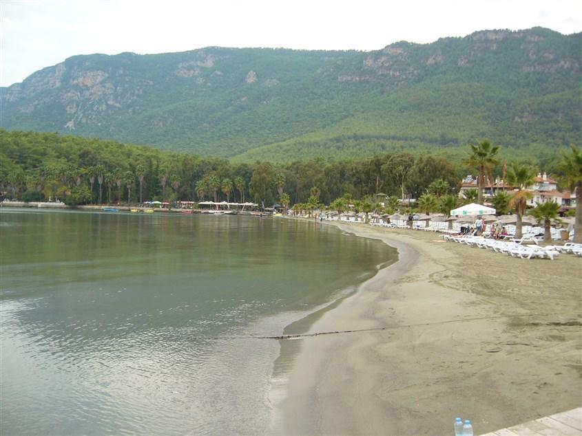 Akyaka halk plajı
