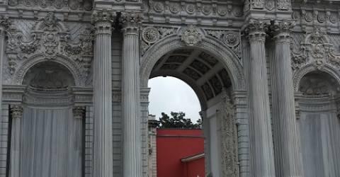 Dolmabahçe sarayı ne amaçla yapılmıştır